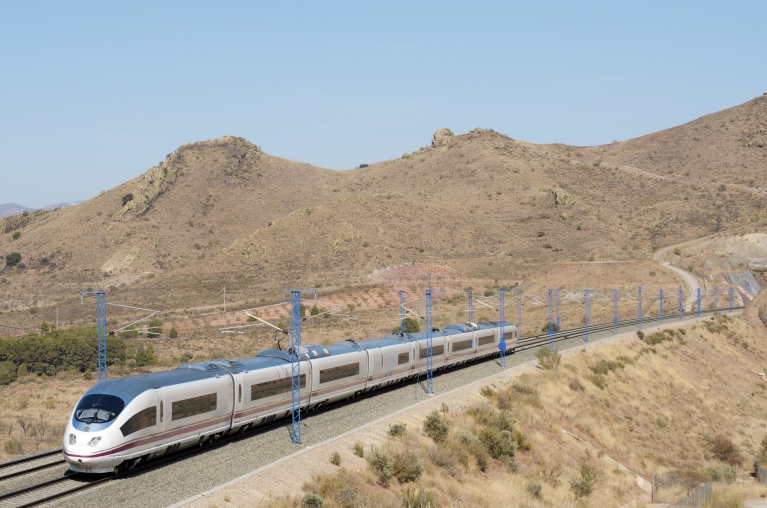 AVE-Highspeed-Zug in Saragossa, Spanien