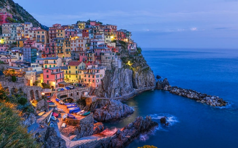 Manarola at night cinque terre northern italy