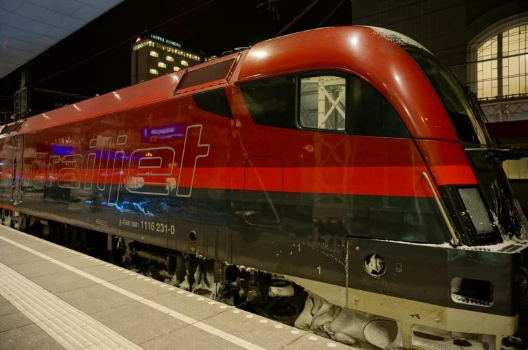 Railjet-Highspeed-Zug