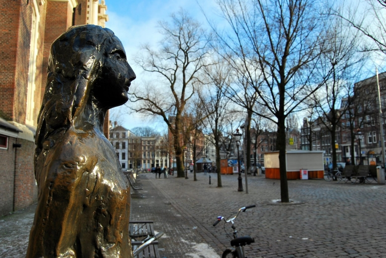 Statue d'Anne Frank, Amsterdam