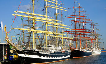 lithuania-klaipeda-sea-festival-old-sail-boats